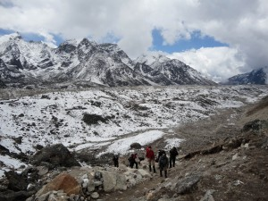 The rocky trail to Everest base camp