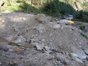 Damage on the Everest base camp trail
