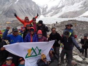 Ian Taylor Trekking group in Everest Base Camp May 2016