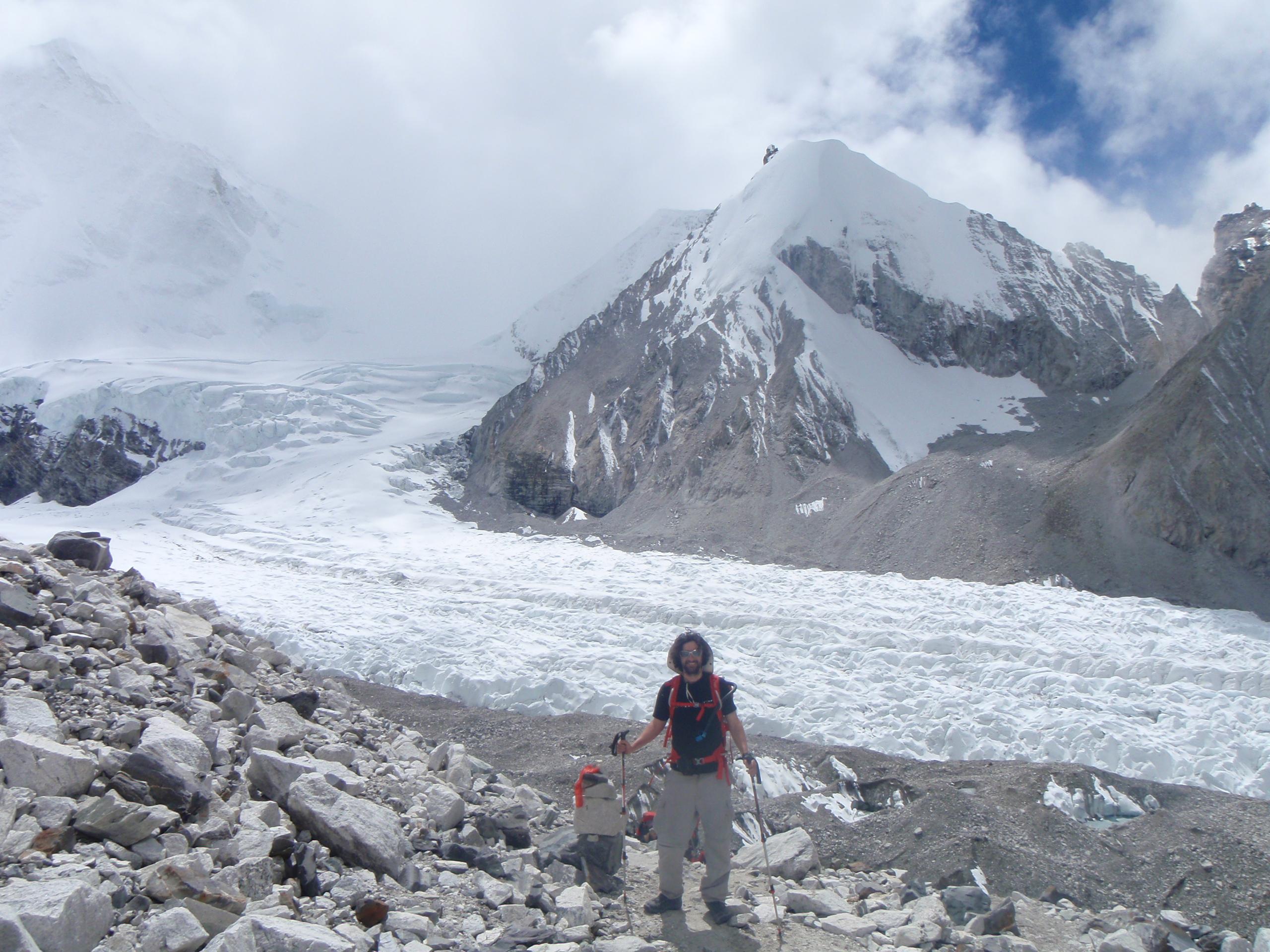 Climbing Cho Oyu