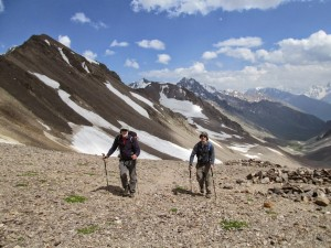 Hiking up to the Irikchat pass