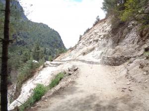 High risk landslide near Phakding