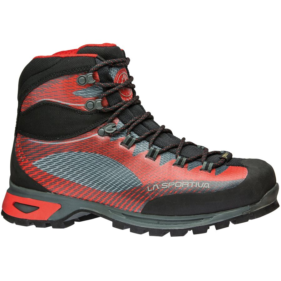 Trekking boots you need for your Mount Elbrus trip